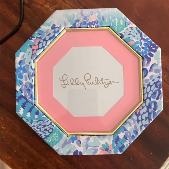 """Lilly Pulitzer frame, octagon, Approx 7"""" across"""